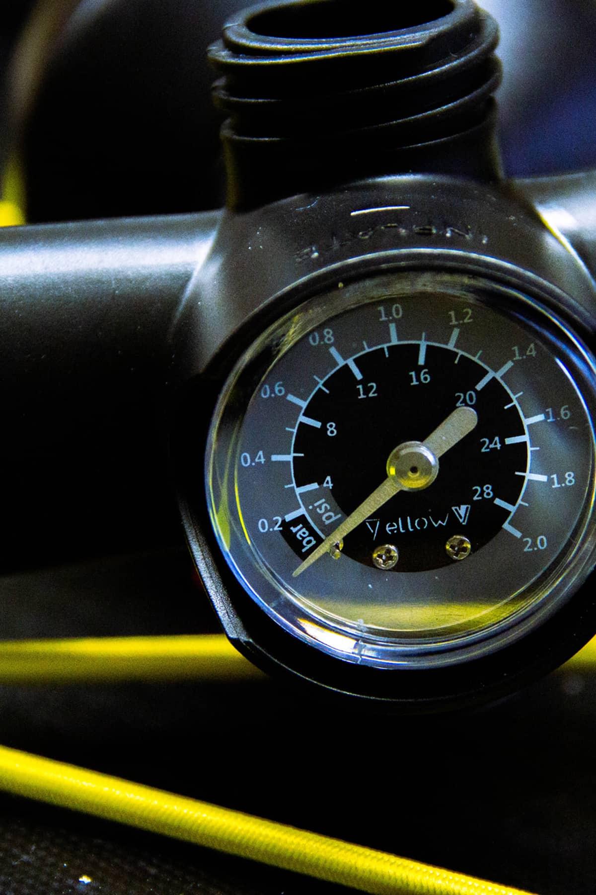 Yellow V - 2 way Pump